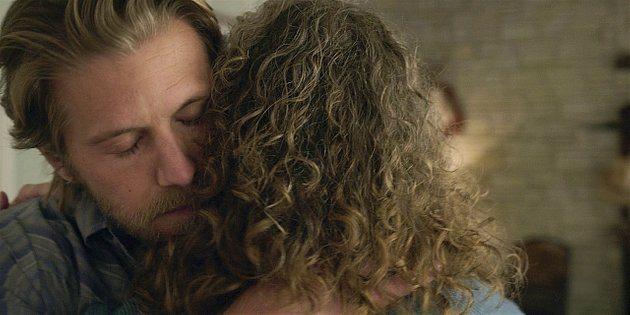 Walker Geri gives Hoyt a hug goodbye after telling him she kissed Cordell 11.