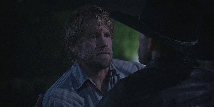 Walker Hoyt getting stabbed by Clint 1.13.