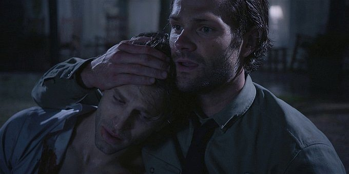 Walker Jared Padalecki holding LIam close from dying 1.13.