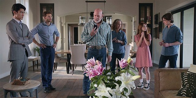 Walker family realizing something is up with Stan Drive.